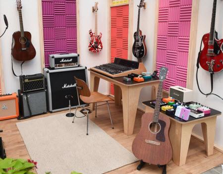 eBay Virtual Block Party Guitar display